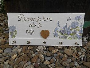 Nábytok - Vešiak so srdcom - 8571624_