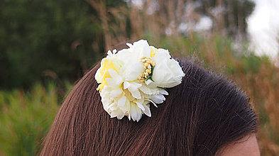 Ozdoby do vlasov - Biely romantický hrebienok do vlasov - 8571924_
