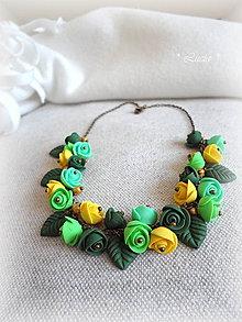 Náhrdelníky - ... poetic romance ... ružičkový náhrdelník - 8572237_