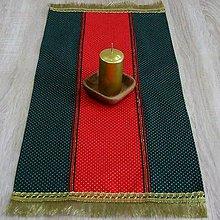 Úžitkový textil - Zlaté bodky na červenej a zelenej - obrúsok 72x32 - 8569884_