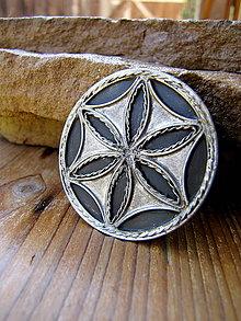 Odznaky/Brošne - Svarga & Svarga - 8576316_