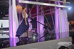 Sukne - Zavinovacia sukňa LEONA - modrotlač - 8573412_