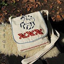 Iné tašky - Taštička cez plece Kelt, rekonštrukcia keltskej výšivky - 8576384_
