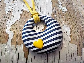 Náhrdelníky - DONUT pre námorníčku  (so žltým ♥) - 8576187_