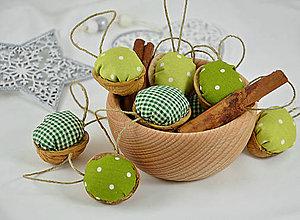 Dekorácie - Sada vianočných orechov, zelené - 8575376_