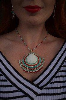 Sady šperkov - Vyšívaný náhrdelník s mušľou + náušnice - 8580068_