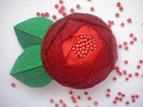 Odznaky/Brošne - Dámska brošňa (Ruža červená) - 8577151_