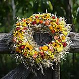 Dekorácie - Prírodný veniec na dvere - 8576461_