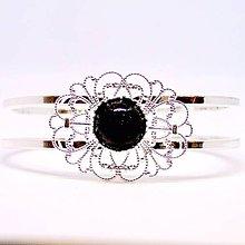 Náramky - Elegant Garnet Bangle Bracelet / Obručový náramok s granátom v striebornom prevedení /0486 - 8583200_