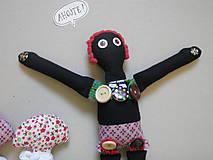 - Gombíková bábika ALIKI TIKI - 8580843_