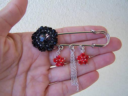 249a8d4a8dd9 Spona na sveter - čierny kvet   byZuzana - SAShE.sk - Handmade ...