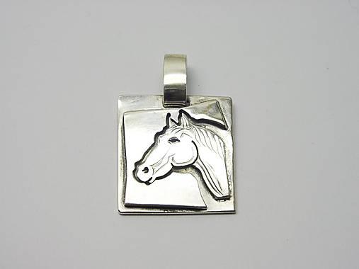 9e690e55b Strieborný prívesok kôň / Jewels.Berta - SAShE.sk - Handmade Náhrdelníky