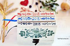 Papiernictvo - Diár 2018 Ľudová výšivka (potlač)  - 8584858_
