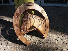 Dekorácie - Drevorezba- podkova kôň - 8587616_