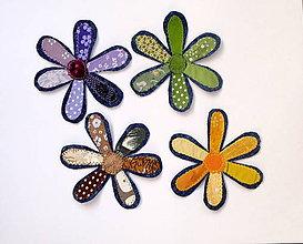 Materiál ručne robený - Textilné kvietky ladené v jednej farbe - 8593888_