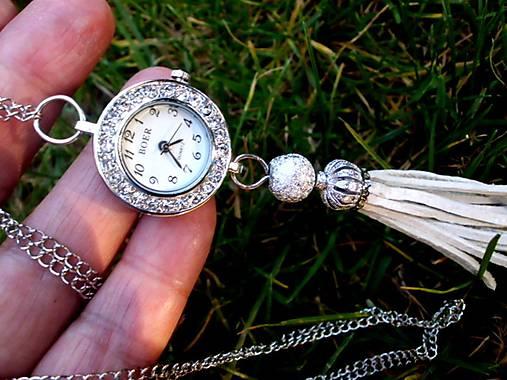 dámske hodinky na krk so strapcom   Tajanna - SAShE.sk - Handmade ... 71d4c4fd907