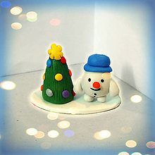Socha - Farebný vianočný stromček a (guľatý snehuliak) - 8594209_