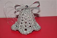 Dekorácie - Háčkované strieborné vianočné zvončeky - 8598942_