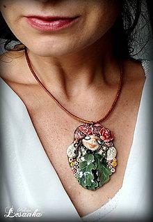 Náhrdelníky - ♥ Amulet s kvetinkovou vílou a s ametystom ♥ - 8599611_