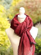 Šatky - Dámska elegantná ľanová šatka tmavočervenej farby s koženým remienkom - 8601740_