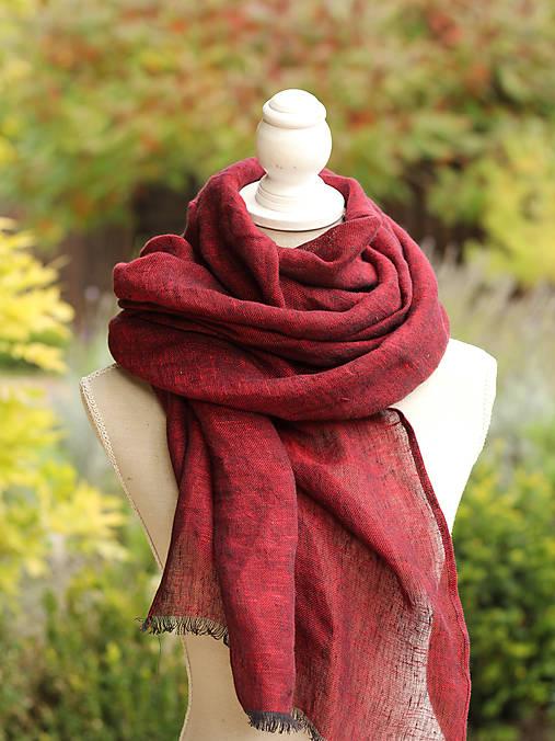 Šály - Tmavočervená dámska elegantná šatka z ľanu - 8601865_