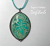 Náhrdelníky - cínový šperk s keramikou ...Ľalia... - 8601561_