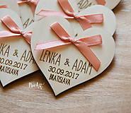 Darčeky pre svadobčanov - Svadobné magnetky srdiečko s mašličkou staroružovou - 8605983_