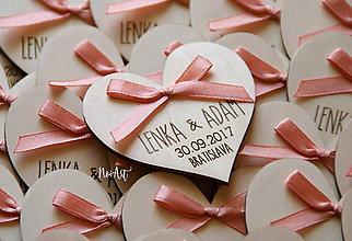 Darčeky pre svadobčanov - Svadobné magnetky srdiečko s mašličkou staroružovou - 8605986_