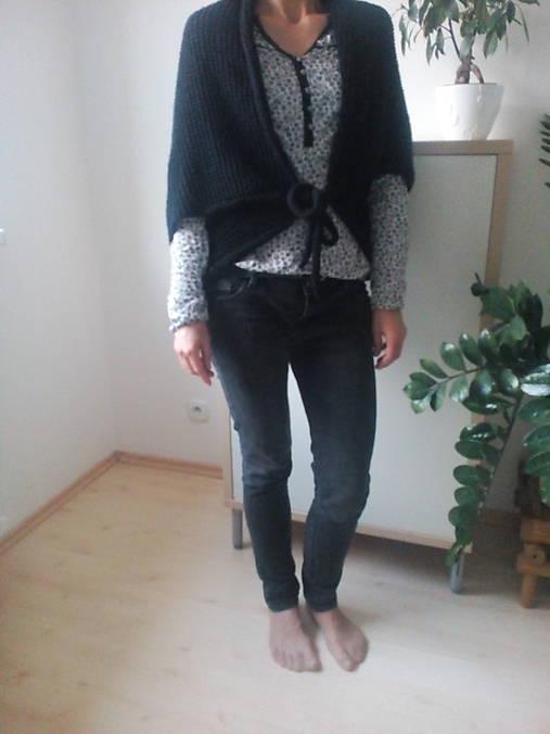 Čierna vesta na viazanie   PavlnaDa - SAShE.sk - Handmade Iné oblečenie 0157ec84783