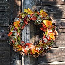 Dekorácie - Jesenný šiškový venček na dvere - 8603255_