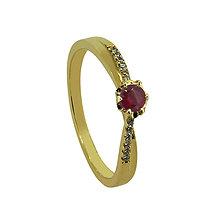 Prstene - Rubínový prstienok s briliantmi - 8604159_