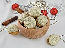 Dekorácie - Vianočné orechy štrikované, béžové - 8606544_