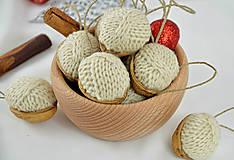 Dekorácie - Vianočné orechy štrikované, béžové - 8606546_