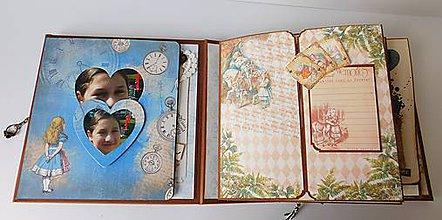 Papiernictvo - It's me - ručné scrapbookovy albumu na narodeniny - 8607432_