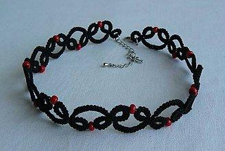 Náhrdelníky - Čierny choker s červenými korálkami - 8607383_