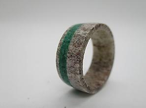 Prstene - Prsteň z jelenieho parožia a malachitu - 8607368_