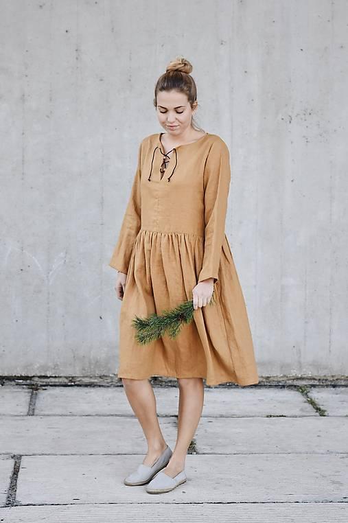 Šaty - Dámske ľanové šaty s koženou šnúrkou - rôzne farby - 8610543_