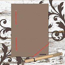 Papiernictvo - MADEBOOK kniha A5 - červená gumička - 8613117_