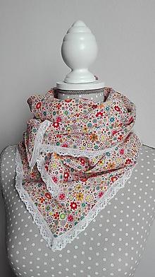 Šatky - Šatka - drobné kvieťa s bielou paličkovanou krajkou - 8612446_