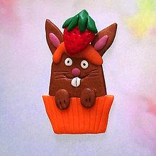 Magnetky - Okydaná zver s jahodou - zajačik NA ZÁKAZKU - 8613718_
