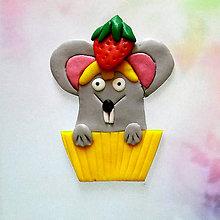 Magnetky - Okydaná zver s jahodou - myš NA ZÁKAZKU - 8613747_