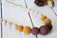 Gaštany - háčkovaný, nielen dojčiaci náhrdelník