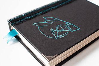 Papiernictvo - Diár pre milovníčku žralokov :) - 8615830_