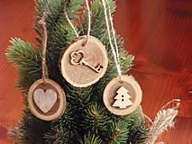 - Drevené ozdoby na stromček- kľuč, srdce, strom - sada 3 kusov - 8618520_