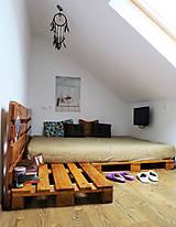 Nábytok - Paletová manželská posteľ - 8622340_