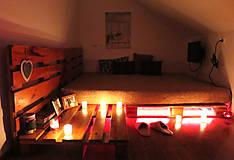 Nábytok - Paletová manželská posteľ - 8622354_