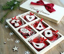 Dekorácie - Drevené vianočné ozdoby - Červená folklórna kolekcia - 8619528_