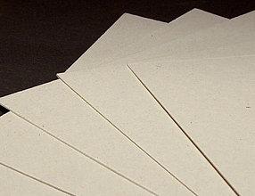 Papier - Lepenka béžová 1mm 15x21cm - 8619102_