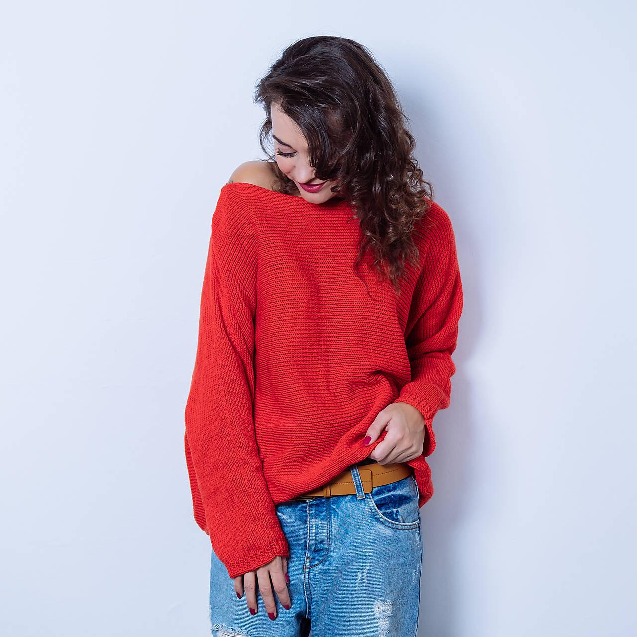 Červený pulóver