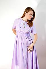 Šaty - Fialové šaty s vyšívaným dielikom - 8619175_
